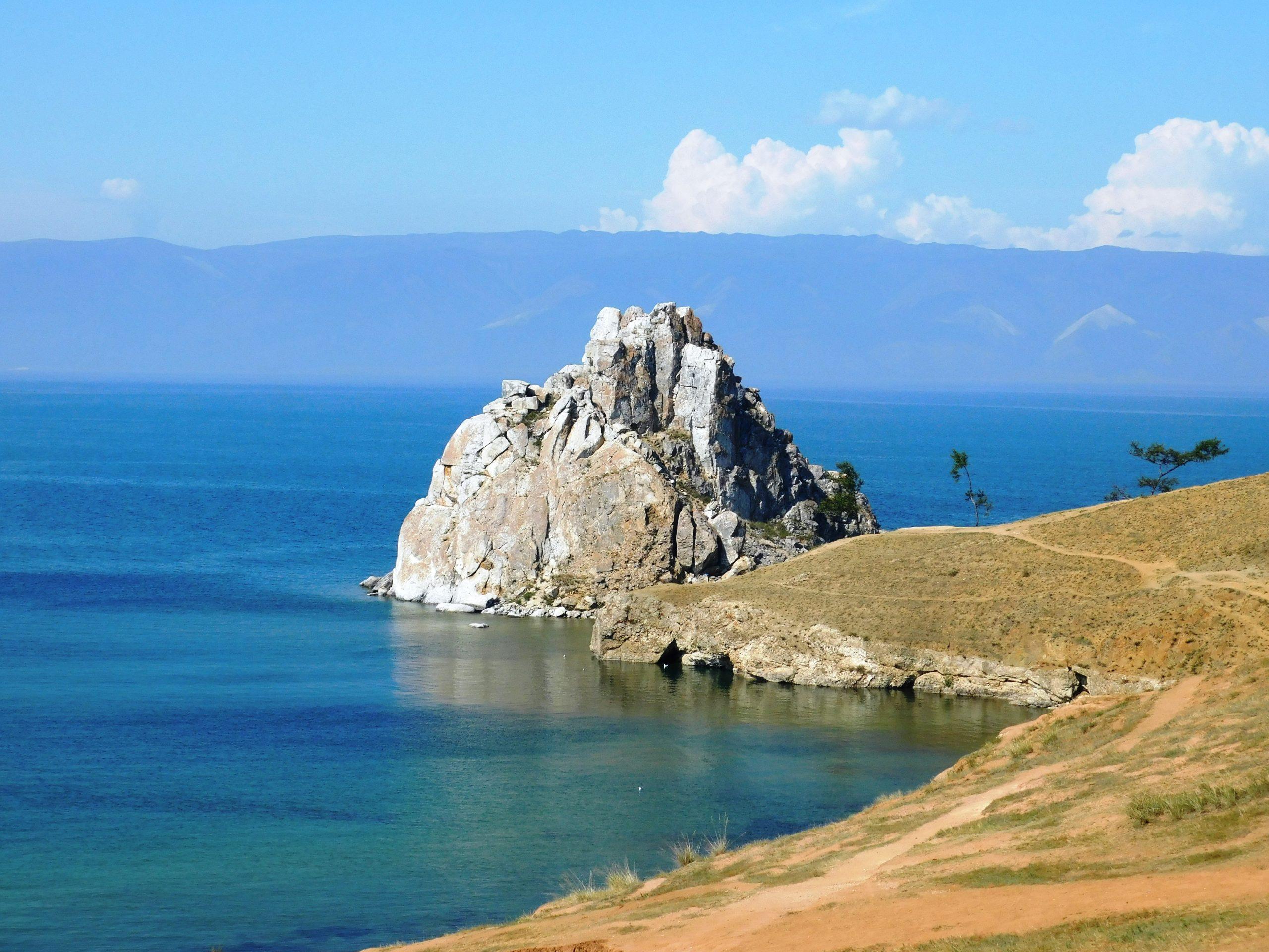 olchon wyspa bajkał skała szamanka
